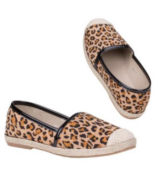 حذاء فلات تايكر