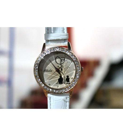 ساعة يد سير جلد الحية