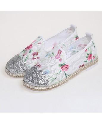 حذاء فلات طبعه الزهور