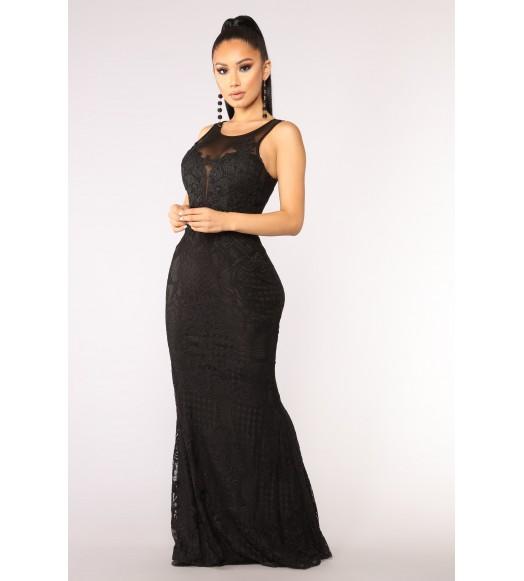 فستان طويل اندرلا دانتيل